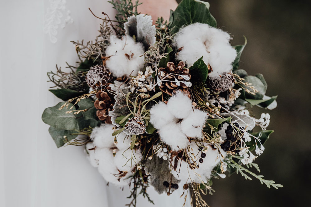 Brautstrauss mit Baumwolle